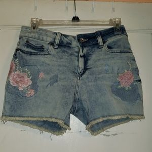 NWT Distressed Jean Shorts Rose's Sz 4